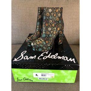 Sam Edelman Azra Floral platform boots